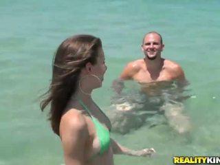 Bikini latina belle mary jane picked omhoog