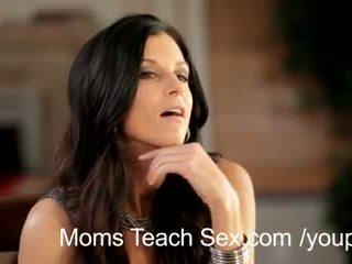 hot mom, trójka, mama