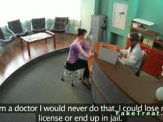 Sicherheit kamera ficken im fake krankenhaus