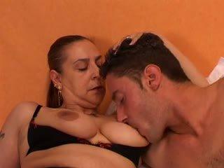Jinekolojik gives bir seks lesson için onu genç lover: ücretsiz porn 66