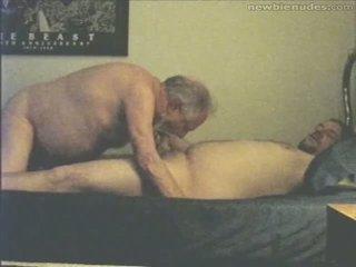 Großvater has spaß mit grandson