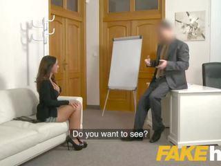 Fake agent spunk loving tattooed スペイン語 ベイブ claudia bavel で セックス キャスティング
