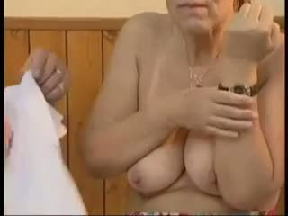 סבתות, ישן + צעיר, טיפולי פנים