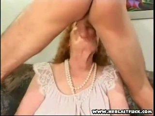 Kemény xxx idős nagymama baszás