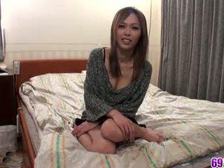 Rina loves um warm ejaculação interna