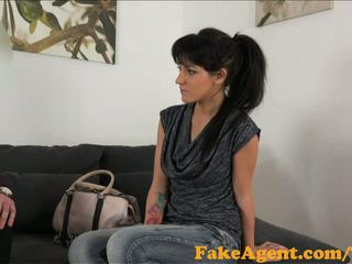 Fakeagent gyzykly raven haired jana fucked hard and spunked over in ofis