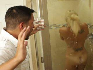 ブロンド すてきな ベイブ charlee chase loves クソ インサイド bathrooms