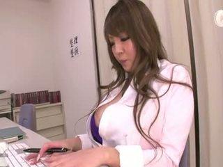 grande, big boobs, falda