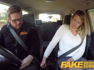 Fake driving skola čehi skaistule nikky sapnis orgasms: porno 6b