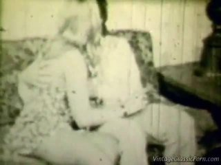 Breasty בלונדינית רטרו shag