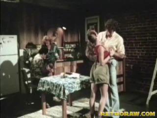 Virtuvė seksas keturiese retro xxx filmas