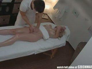 Čeština masáž anální blondýnka