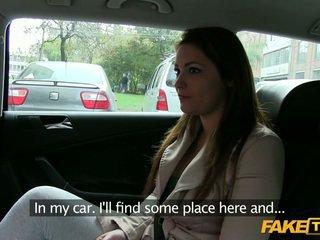 Velika joški amaterke ukanjen s a taxi