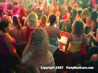 חם מועדון נוער בנות מזיין ב פרועה לילה סקס מסיבה