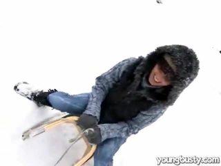Dễ thương oustanding ngực trong các snow