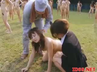 Asiatiskapojke female fängelse träning video-
