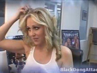 Blond julia ann gets gefickt von ein bbc