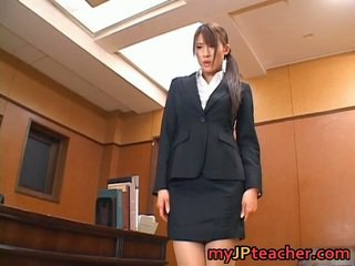 Junna Aoki Awesome Asian Pedagogue