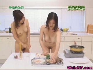 Dzimumloceklis izsalcis aziāti sluts nepieredzējošas, jāšanās part3