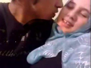 Amatir dubai terangsang hijab gadis kacau di rumah - desiscandal.xyz