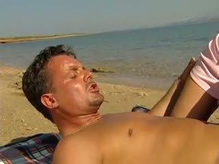الشرجي و مشعرات في شاطئ