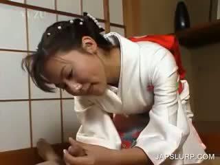 Japonsko geisha rubbing tič