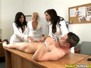 Gadis having kesenangan telanjang