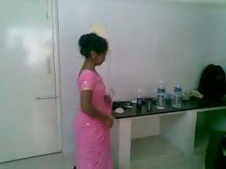 Ja 5 hinduskie ładniutka i nieśmiałe newly zaślubieni
