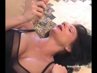 Deauxma セクシー masturbation