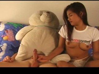 Tailandesa nymph has fodido córrego