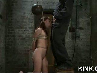 Meisje volgende deur manipulated en sexually