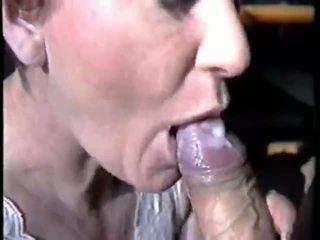 Liels sperma uz viņai mouh video