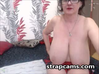 Başlangyç garry with bigtits teasing at home