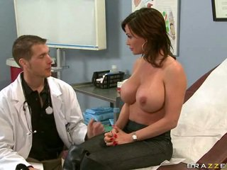 Lékař mošt vzít a pohled na tvůj vagína