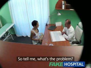 Fakehospital ruský kuřátko gives lékař a sexuální favour