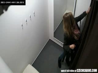 Ontzagwekkend tiener meisje tries uit ondergoed