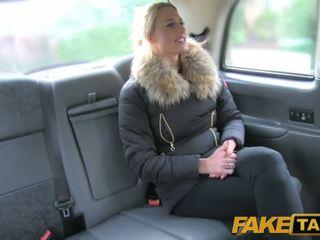 Fake taxi sexy hollandais minx tries anal en taxi
