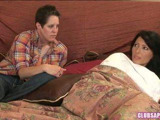 Zoey holloway un kat tērēt the diena uz gulta