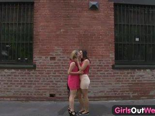 Girls out west hot australian lesbian ...