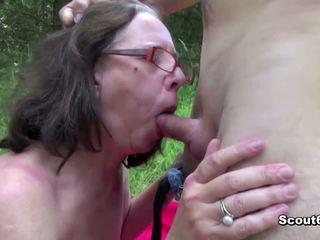 18yr oud jongen neuken 61yr oud harig oma in bips in publiek