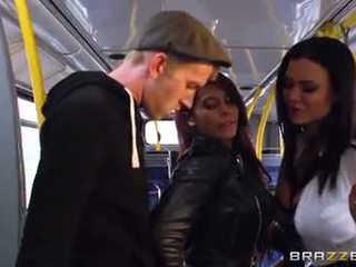 Λεωφορείο γαμήσι για σέξι κορίτσια madison ivy και ja