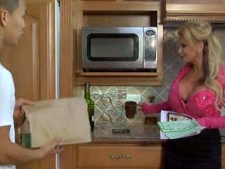 Cycate blondynka głębokie jazda w the kuchnia