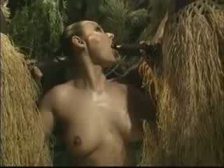 아프리카의 brutally 엿 미국 사람 여성 에 밀림 비디오