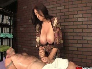 sprut, stora bröst, stora tuttar