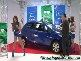 Invisible guy fucks japonez gagica la masina spectacol