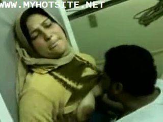 Arab 主婦 ファック バイ 若い スタッド