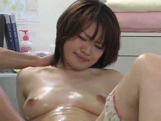 Surprising cực khoái trong khi massage phần 2