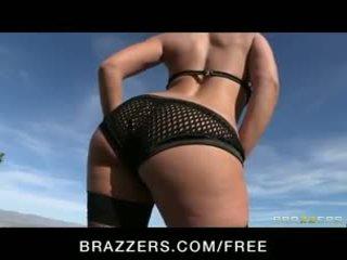 Big-ass brunette liza del sierra is massaged & geolied omhoog voor anaal