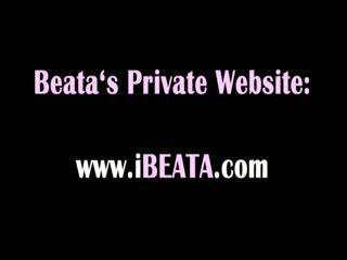 Beata likes es wenn schwer und dildo im bum