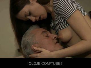 Eski adam blows genç anne ve tüylü götten seçki